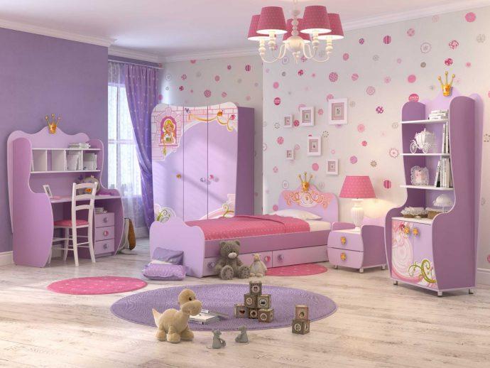 светлая детская мебель в спальню для девочки