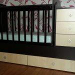 красивая кроватка трансформер для детей пример