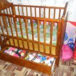 маленькая детская кроватка трансформер маятник для девочки из дерева