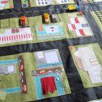 цветной развивающий коврик с машинками картинка