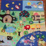 интересный развивающий детский коврик с машинками пример