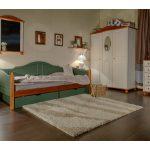 кроватка из массива в интерьере детской комнаты конструкция
