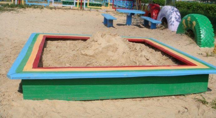 большая детская песочница на даче своими руками