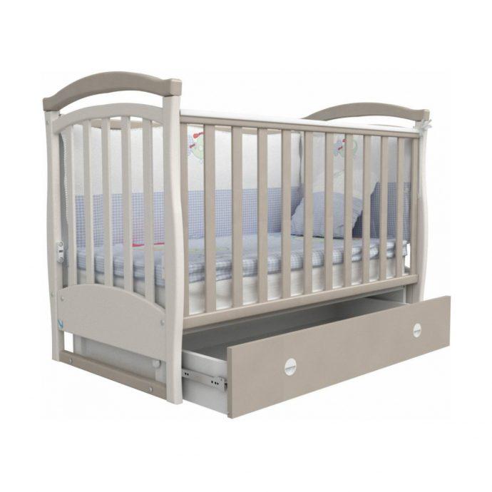 удобная кроватка для ребенка трансформер маятник для мальчика из массива дерева