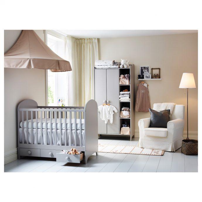 функциональная детская кроватка трансформер в детской комнате