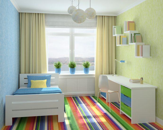 цветные шторы в комнату для мальчика в интерьере