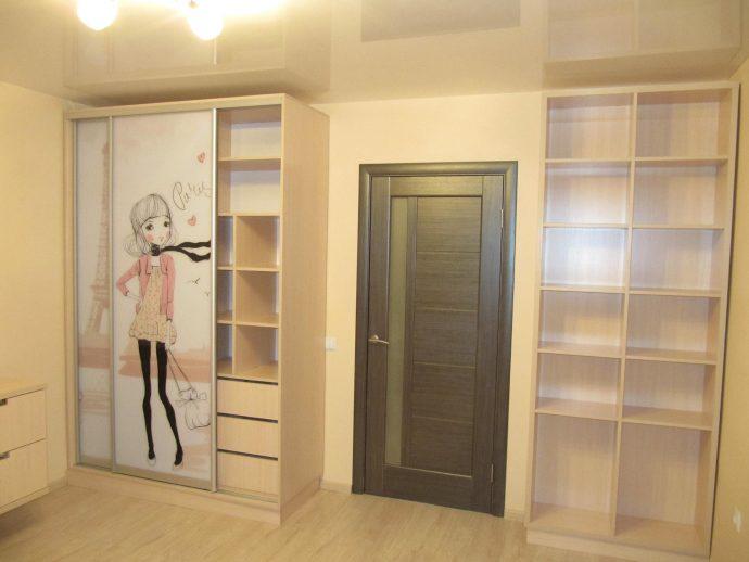 зеркальный шкаф в детскую спальню фото