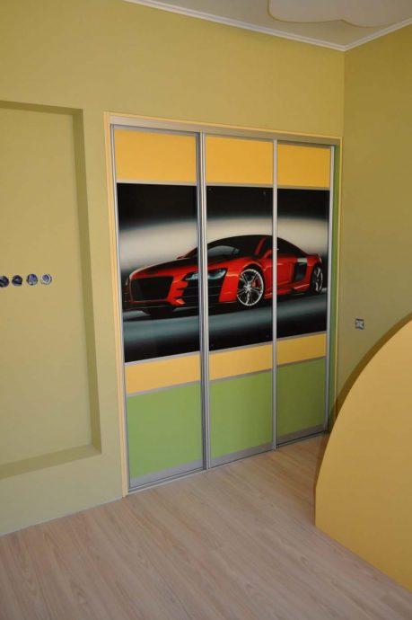 прозрачный шкаф в детскую комнату