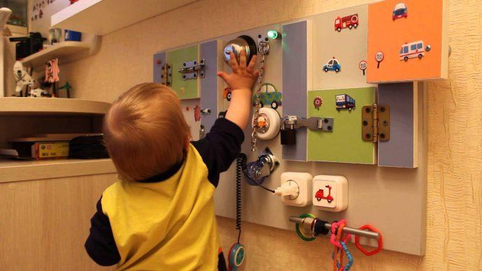 развивающая игровая доска для детей с животными