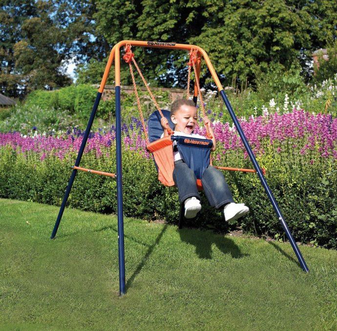 Детская качель в саду своими руками 27