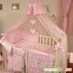 яркий накидка для кроватки пример дизайна