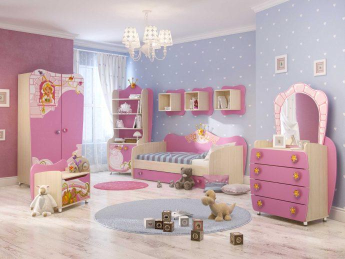 яркая детская мебель в детскую для девочки