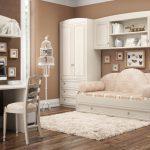 цветная детская мебель в спальню для девочки фото