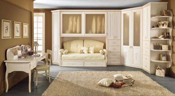 яркая детская мебель в спальню для девочки пример