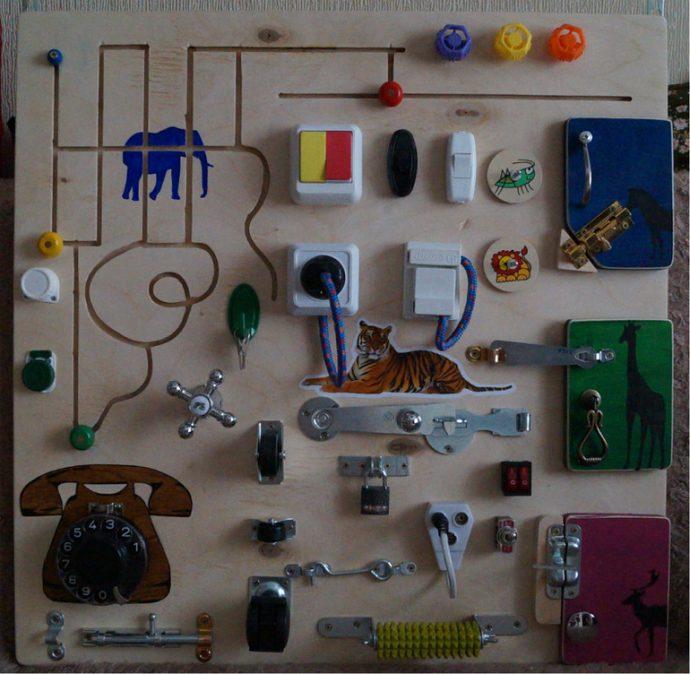 уникальная бизиборд для ребенка с животными