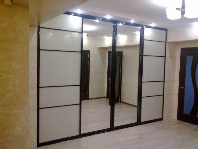 дизайн шкаф темный в прохожей комнате
