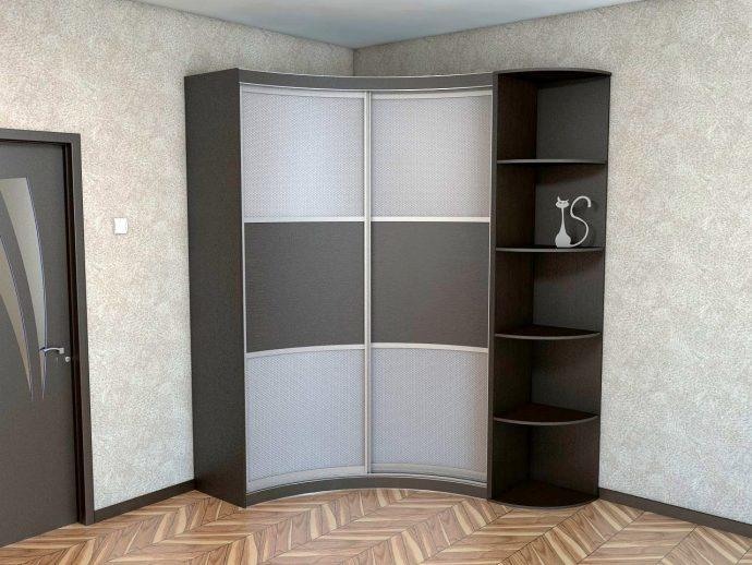 узкий шкаф в комнату