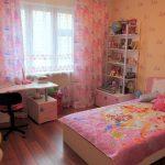 яркая детская спальня для девочки дизайн