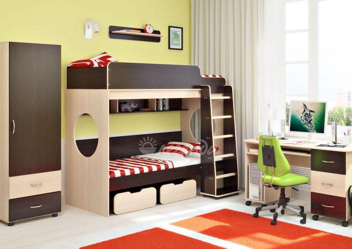 цветная детская мебель в детскую для девочки пример