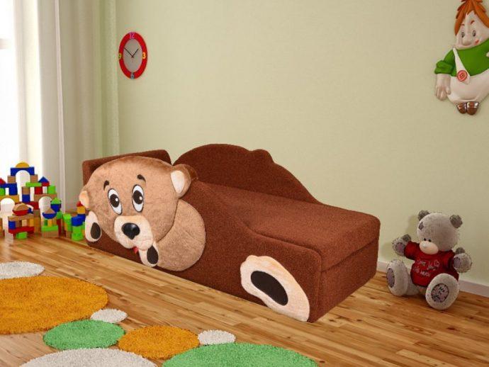 небольшая кровать диван для ребенка в комнате фото