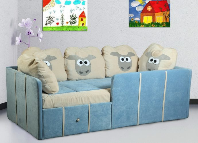 большая диван кровать для детей в спальне