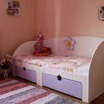 светлая детская мебель в спальню для девочки фото