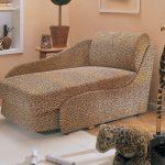 небольшая диван кровать для детей в комнате фото пример