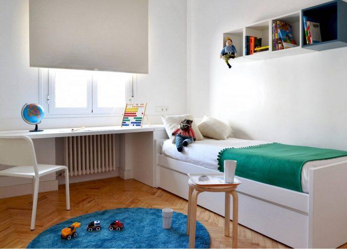 цветная мебель для мальчика в комнату