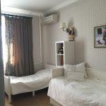 яркая детская спальня для двух мальчиков дизайн картинка