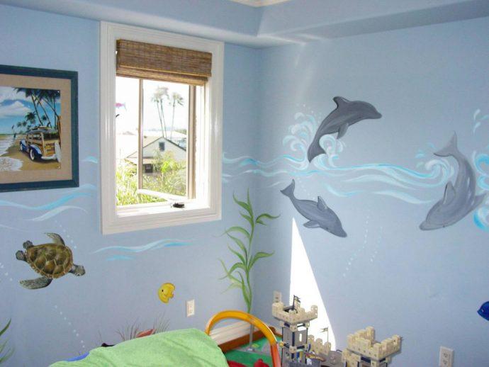 полосатые обои обои в комнату с картинками