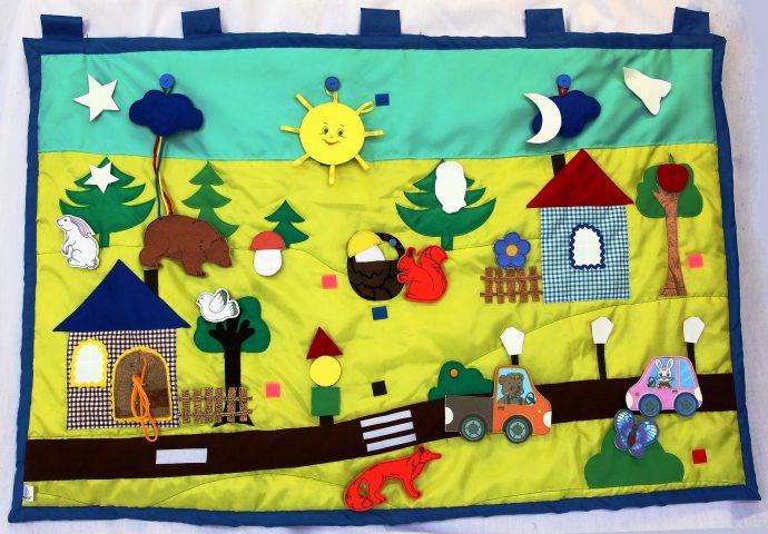 яркий детский коврик со зверьками картинка