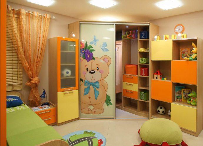 прозрачный шкаф купе в детскую комнату