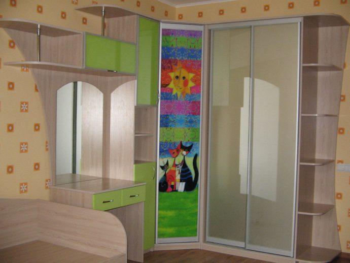 прозрачный шкаф в детскую комнату фото