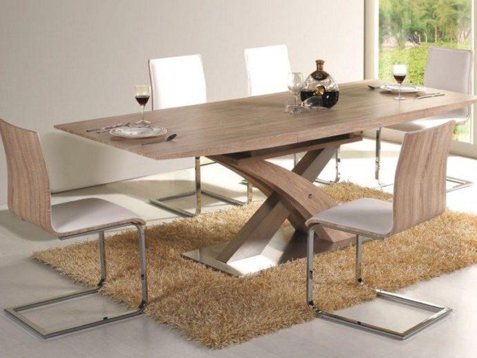 Обеденный деревянный стол в стиле модерн