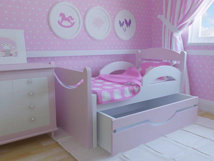 красивая детская кроватка с бортиками в дизайне комнаты