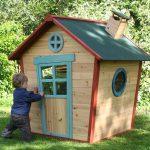 дизайн красивого игрового домика из массива дерева