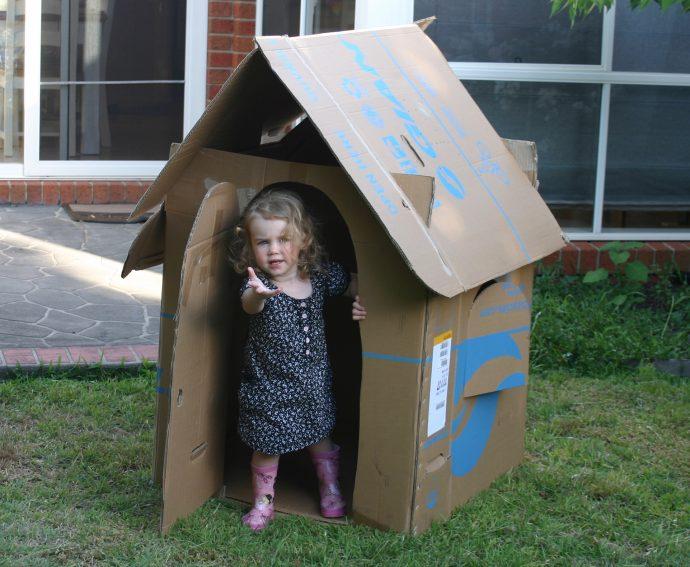 дизайн игрового домика из массива дерева для дома