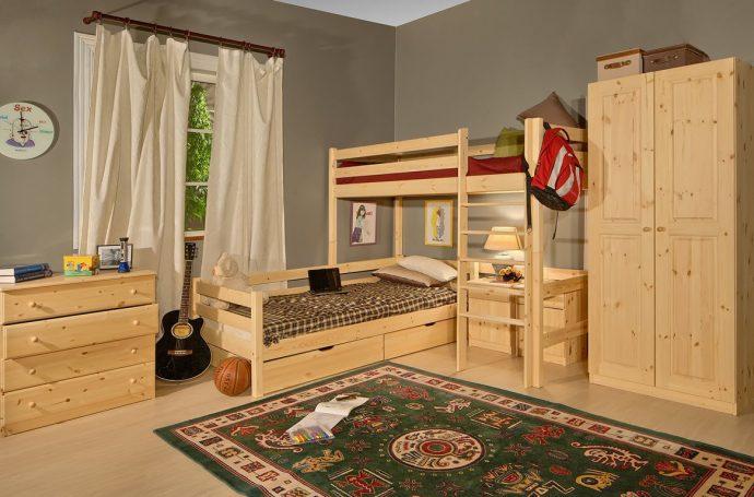 мебель из дерева в детской комнате