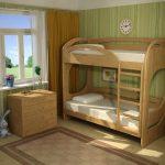 кровать из массива дерева в комнате комплект