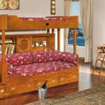 кроватка из дерева в интерьере детской комнаты комплект